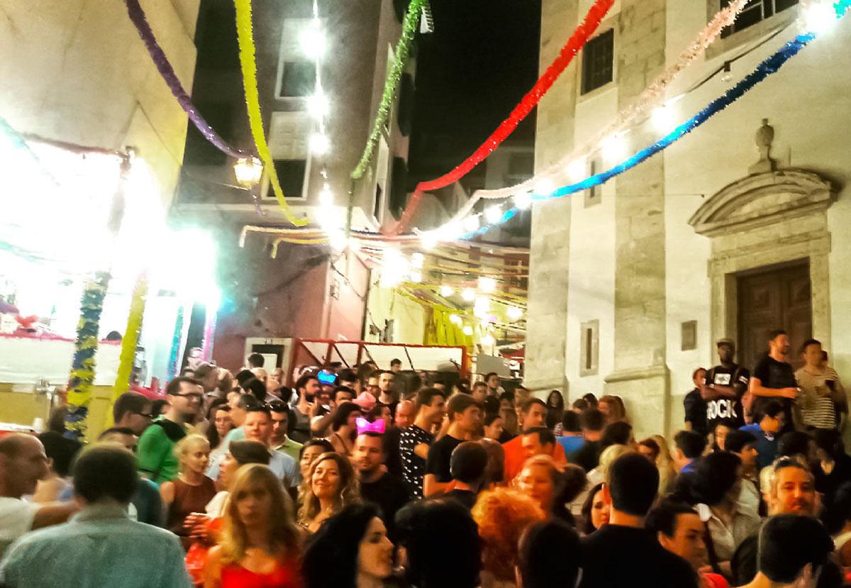 La festa di Santo Antònio a Lisbona