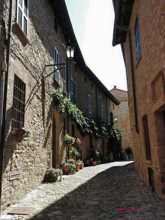 ritorno-al-medioevo-un-giorno-a-castell-arquato-e-grazzano-visconti-foto-5