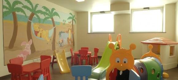 vacanza-a-loano-con-bambini-sala-giochi-bimbi