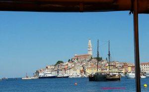 Croazia con i bambini - Rovigno vista dal mare