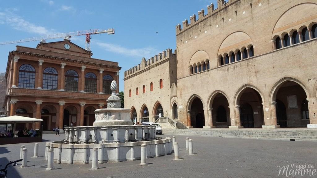 Cosa vedere a Rimini: alla scoperta della città romana -piazza Cavour-