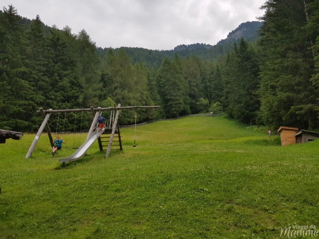 Marinzen: la piccola Alpe ideale per bambini sopra Castelrotto -zona gioco alla Malga Schafstall-
