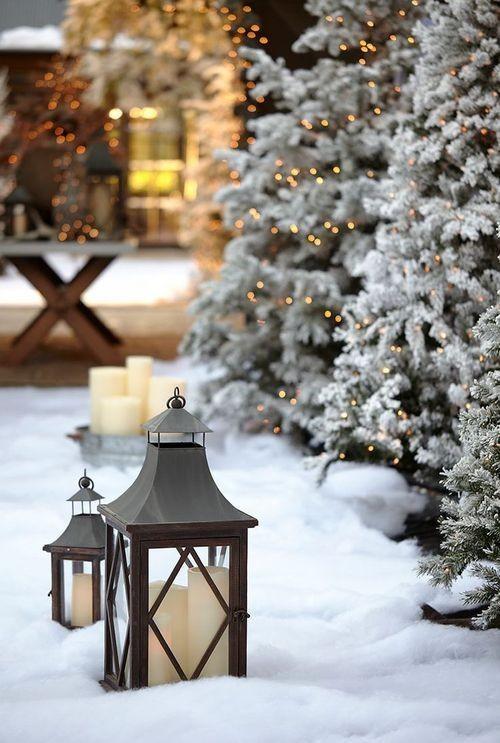 Natale è alle porte e tra poco vedremo nelle nostre città luci natalizie nelle vie commerciali, … Addobbare Casa Per Natale Le Decorazioni Della Tradizione Viaggi Da Mamme