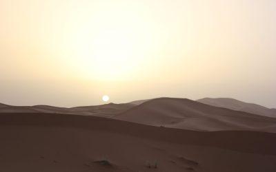 L'alba nel Sahara marocchino – Foto