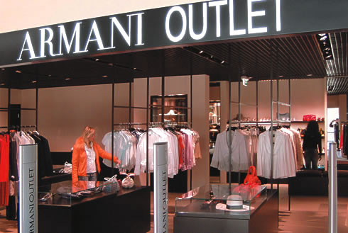 Spacci moda dove vendono a prezzi scontati le grandi griffe  Viaggi e Vacanze