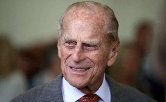 Royal Family Paura Per Il Principe Filippo Ricoverato In
