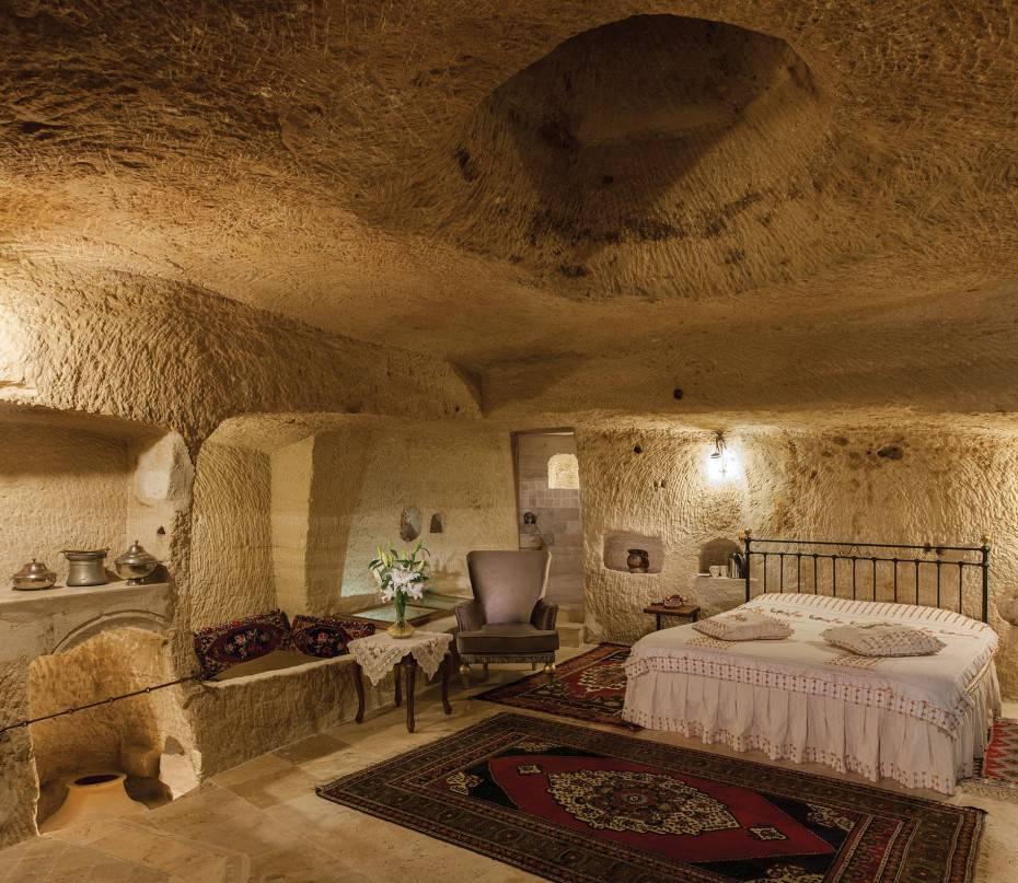 Hotel strani in Turchia un albergo scavato nella roccia  ViaggiNewscom