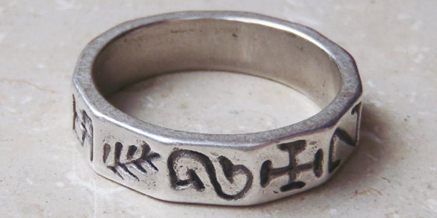 Il magico e indecifrabile anello di Paussnitz