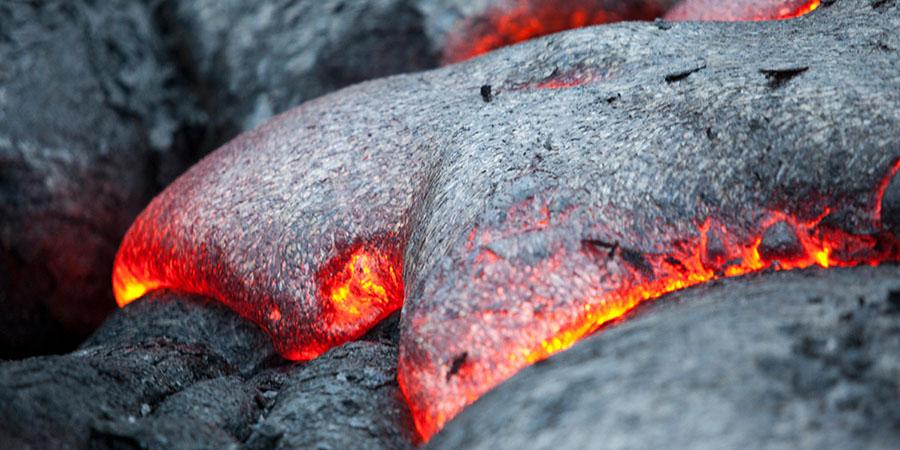 A spasso sulla lava rovente con i kahuna hawaiani