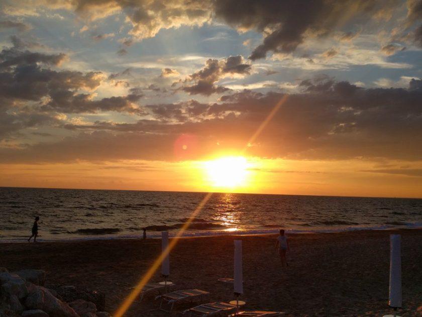 spiaggia-sabaudia-tramonto