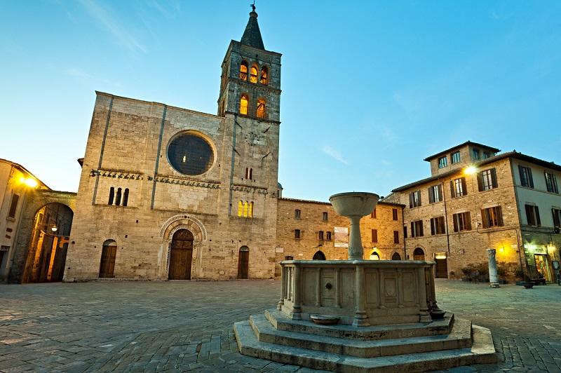 bevagna-borgo-italiano