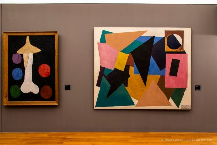 A sx: Francis Picabia, Egoïsme, 1947-1950. Olio su compensato 153,6 110,8 cm. a dx: Man Ray, Mon premier amour (1952). Olio su tela 189x219 cm. Rotterdam, Museo Boijmans Van Beuningen.