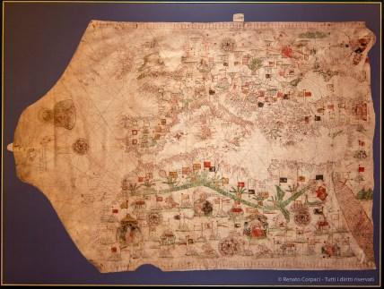 Il ruolo centrale della Sicilia ai tempi di Antonello si coglie nel portolano su vellum, la più pregiata delle pergamene, opera di Giacomo Russo da Messina, datato 1533.