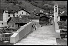 Conzett Bronzini Partner AG con Peter Zumthor., Ponte della piazza, Vals, 2010, Foto © Martin Linsi,
