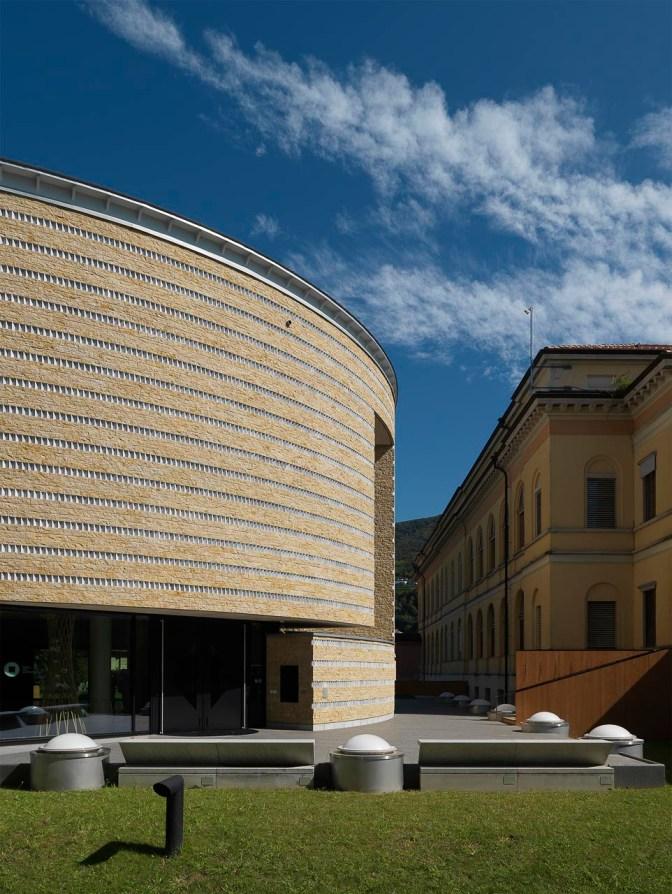 Mario Botta , Teatro dell'architettura. Mendrisio, Università della Svizzera italiana. Foto © Enrico Cano