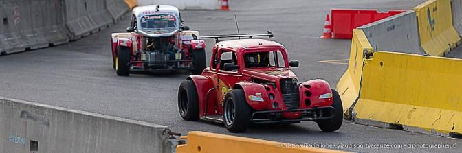 Esibizioni delle Legend Car sul circuito allestito sul piazzale prospiciente lo Stadio di San Siro