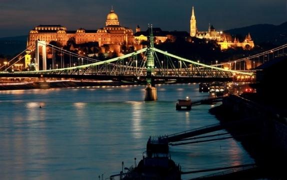 viaggio a budapest  Il sito dei tuoi Viaggi in Ungheria Consigli Guide Dormire Mangiare e