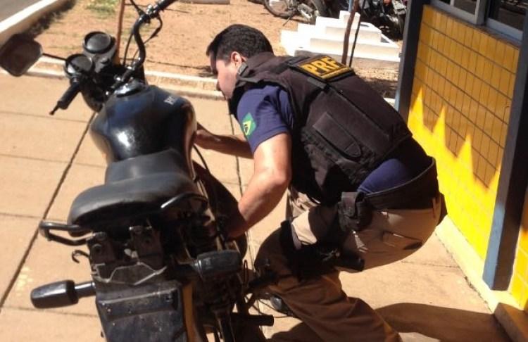 PRF recupera moto roubada em Alegrete