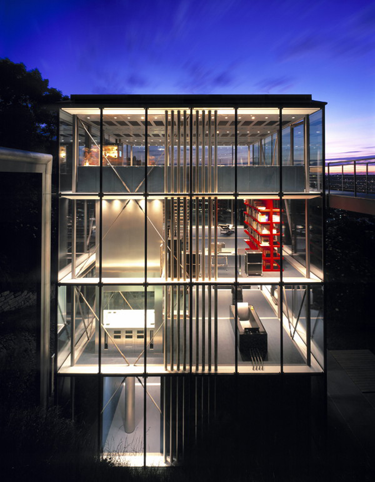 Amazing Glass House Architecture with Sustainable Features