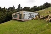 Unique House Design with Roof Entrance | Viahouse.Com
