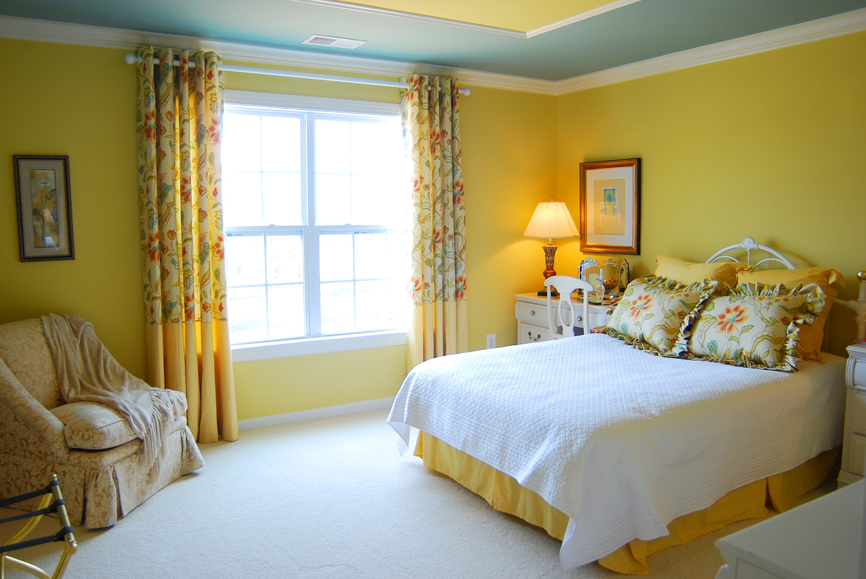 Olive Yellow Bedroom Decorating Ideas Viahouse Com