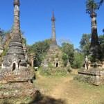 Ruinas de un antiguo templo en el camino