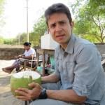 Agua de coco afuera de Upali