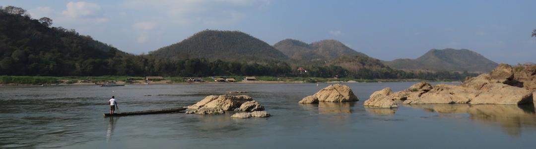 Desembocadura de Nam Khan en el río Mekong
