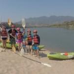 Con nuestros compañeros de kayak listos para iniciar el recorrido