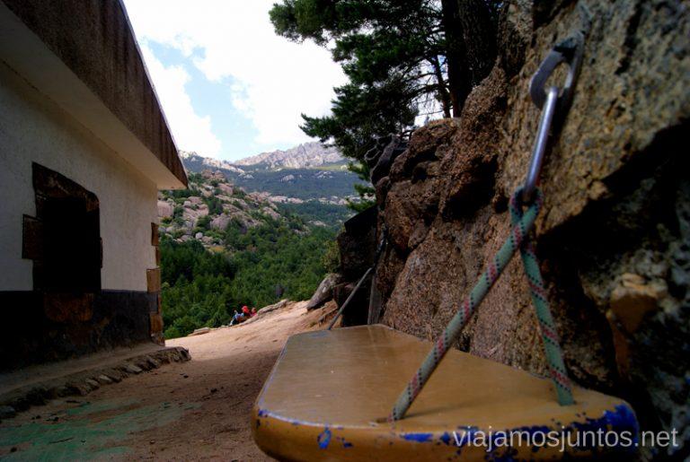Original banquillo del refugio Giner Parque de la Cuenca Alta del Manzanares y Manzanares el Real, Madrid