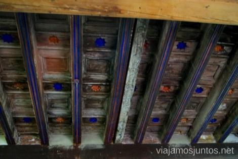 Techo pintado por Alfredo Palmero Un itinerario de un día por Almodóvar del Campo, Ciudad Real, Castilla-la Mancha Que ver y que hacer