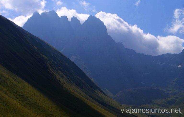 Las vistas desde Juta, Kazbegi, Georgia Itinerario para viajar por Georgia. 17 días. Gran Cáucaso Parte I
