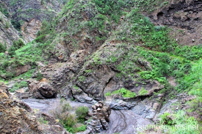 ¿Veis la gente? Por allí tenemos que pasar Ruta de la Caldera de Taburiente, La Palma, Islas Canarias