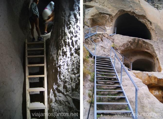 Escaleras para moverte por Vardzia Vardzia. Qué ver e información práctica