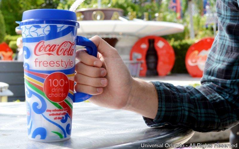 Resfreque-se o dia inteiro com o Coca-Cola Freestyle nos parques da Universal