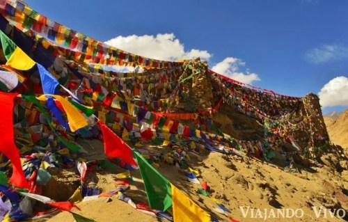Banderines en Leh