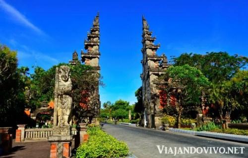 Entrada a Nusa Dua, en Bali
