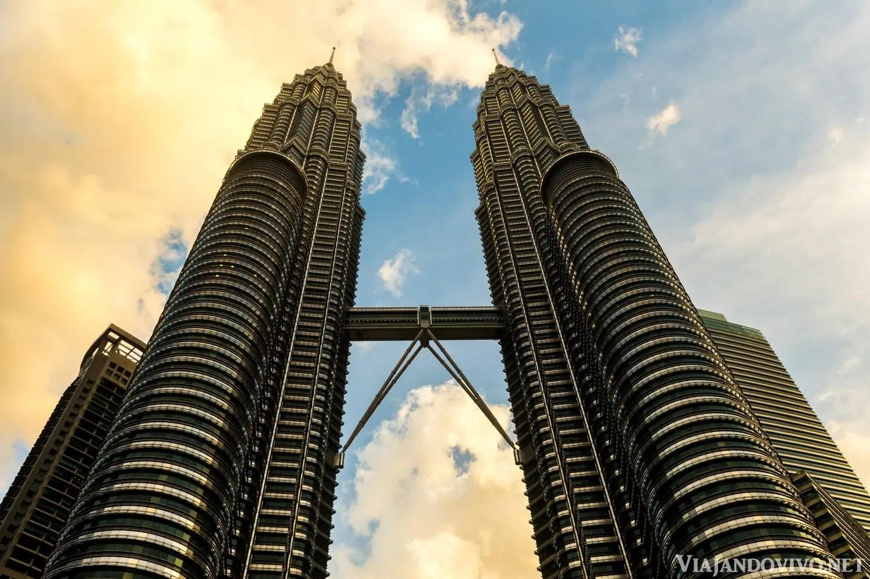 Las Torres Petronas de Kuala Lumpur al atardecer