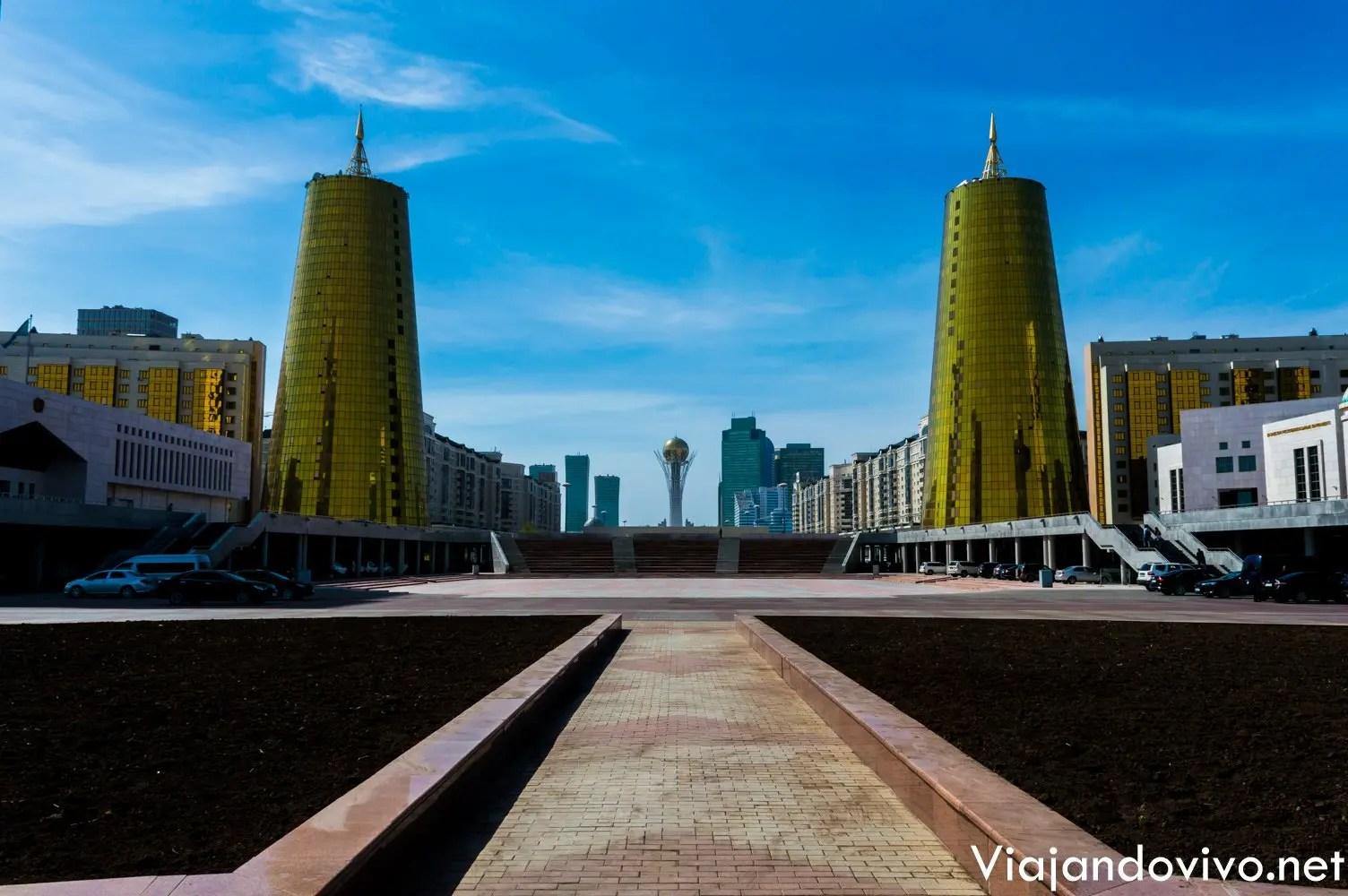 Edificios modernos en Astana, Kazajistan