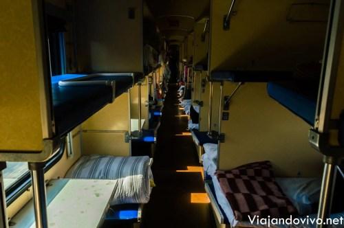 Un vagón de tercera clase en el Tren Transiberiano
