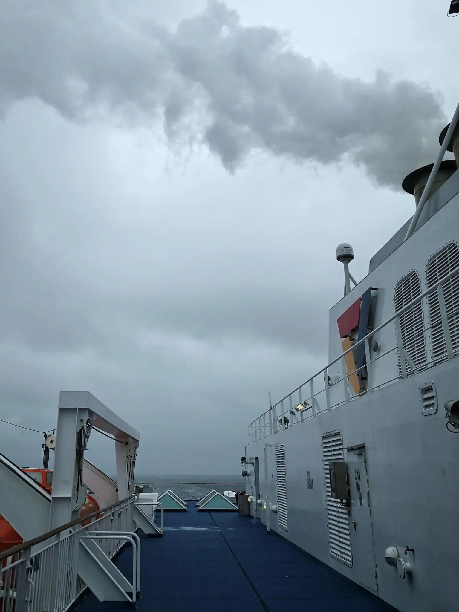 El ferry que cruza el canal de Kiel