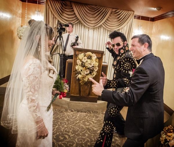Elvis Presley no casamento em Las Vegas