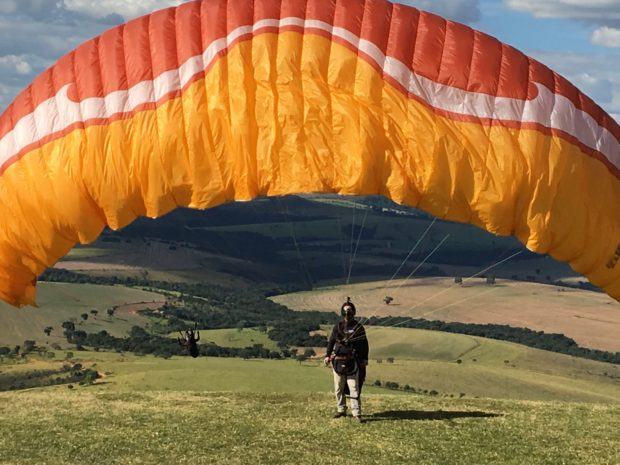 Paragliders no Horizonte Perdido-Araxá