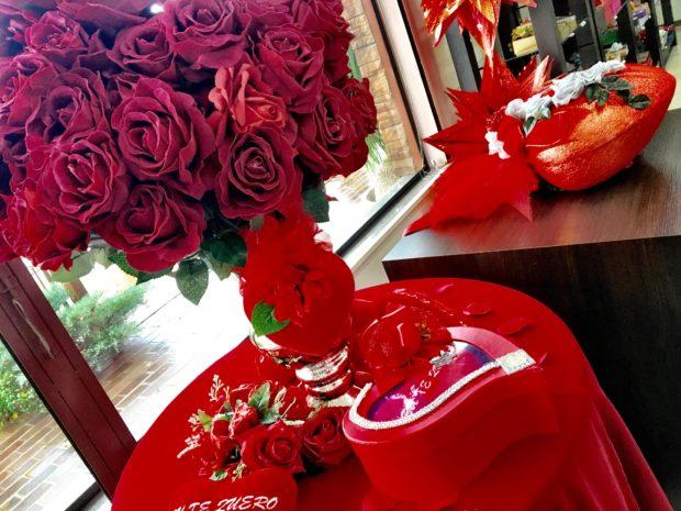 Decoração do Dia dos Namorados na Chocolates Plantanos - Loja de Fábrica em Dois Irmãos