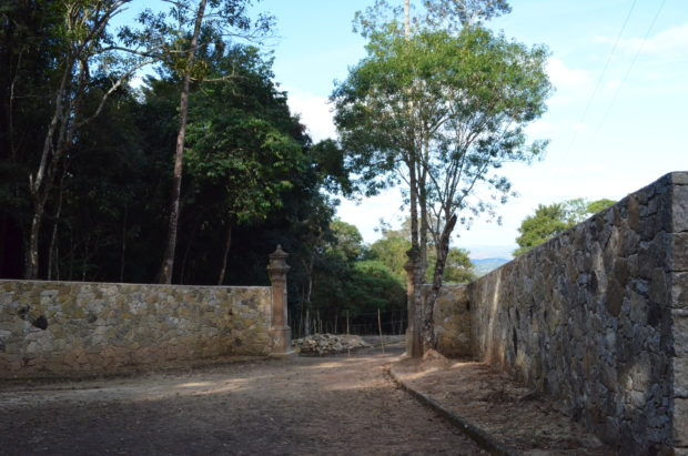 Estrada Parque Passos dos Fundadores.