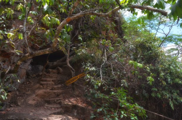 Caminho para a Cachoeira Rainha na Chapada Imperial