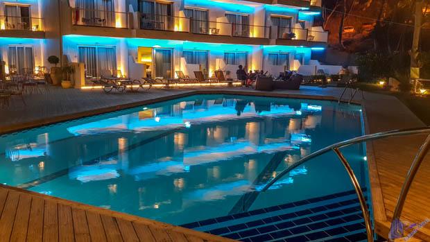 foto noturna piscina hotel ionian hill zakynthos