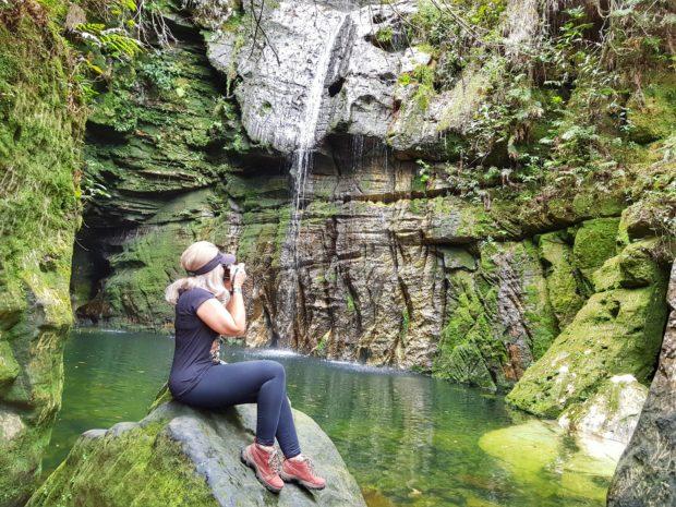 Poço e Cachoeira da Gruta do Salto Corumbá