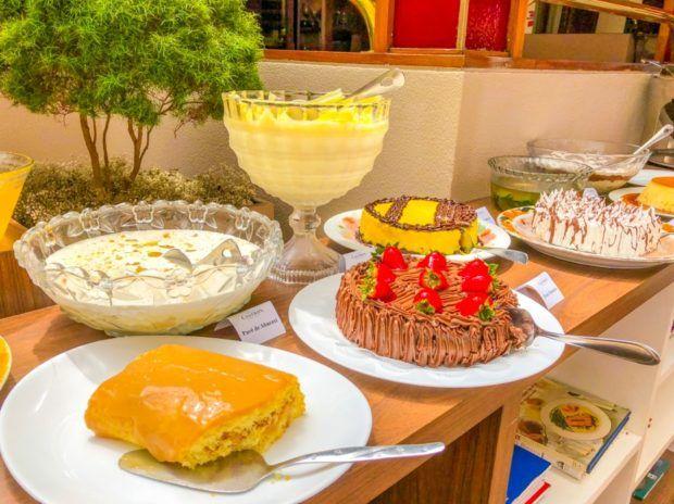 Sobremesas do Restaurante Ipê do Castro's Hotel em Goiânia