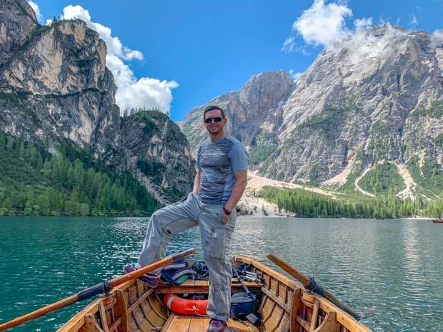 Passeio de barco no Lago de Braies